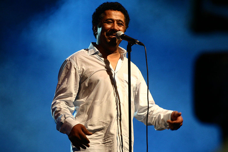 800px-Cheb_Khaled_performed_in_Oran_on_July_5th_2011