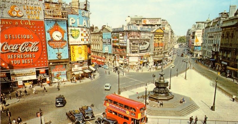 Piccadilly circus 1950s